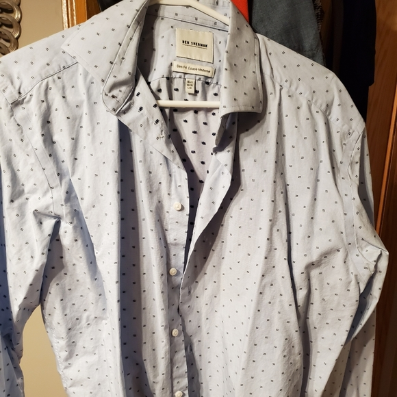 Selling Men'sLarge Shirt for only $15